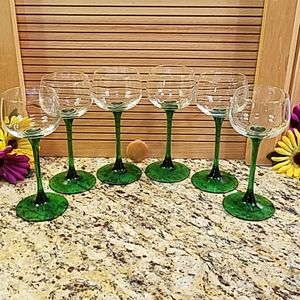 Vintage 6 French wine or sherry glasses EUC